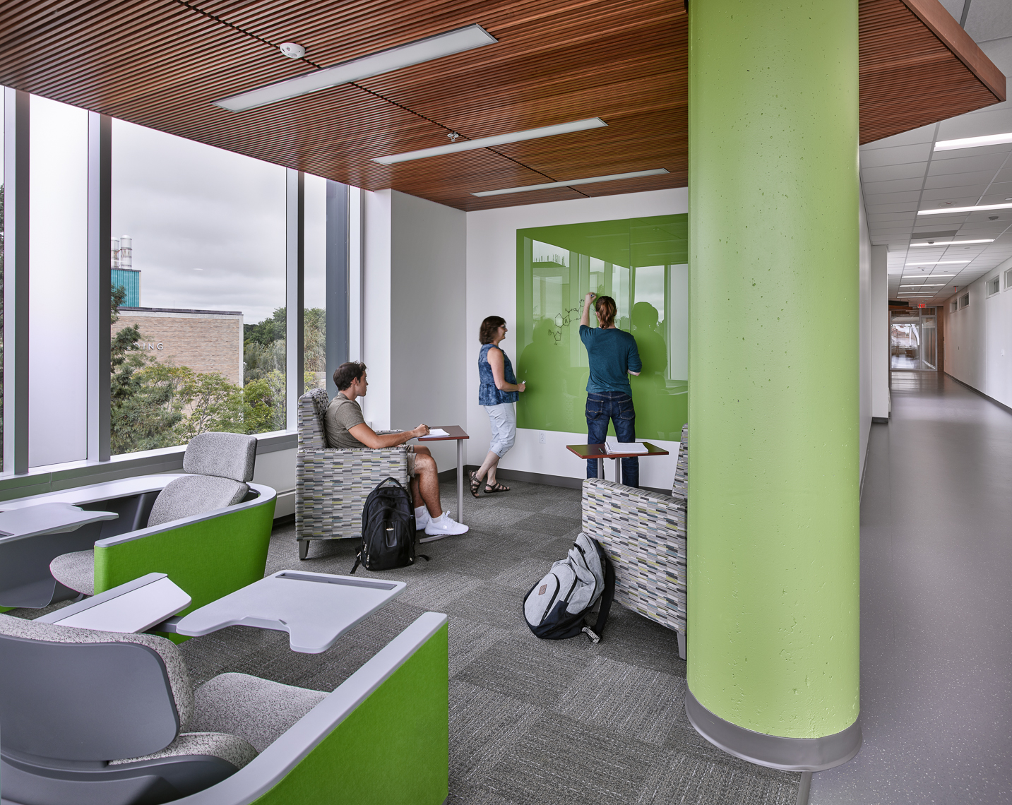 UW Stevens Point Chemistry Biology Building - Collaborative Study Space